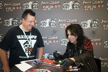 Alice Cooper, Royal Arena, Copenhagen, 2019-09-25, VIP signing and photo session