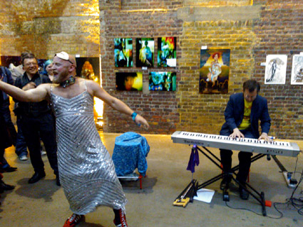 Amanda Palmer, Art Gallery Event, London 2012, Click for XL