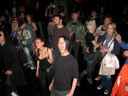 The Purple Turtle, Camden, Sputnik Crowd